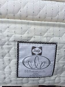 Quality king size bed & box spring (+sheets/pillows/bed frame)