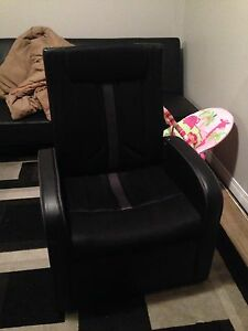 Gamer chair!!!! Need gone asap!! Huge Moving sale!!!