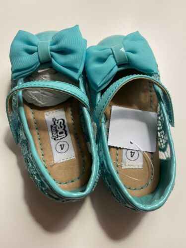 Baby Girl Shoes Size 4 - $15.99