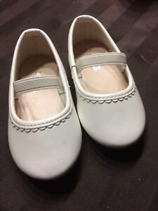 White ballerina flats for toddlers