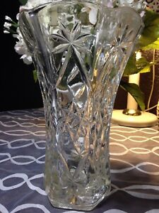 "Beautiful 10"" Heavy Crystal Flower Vase"