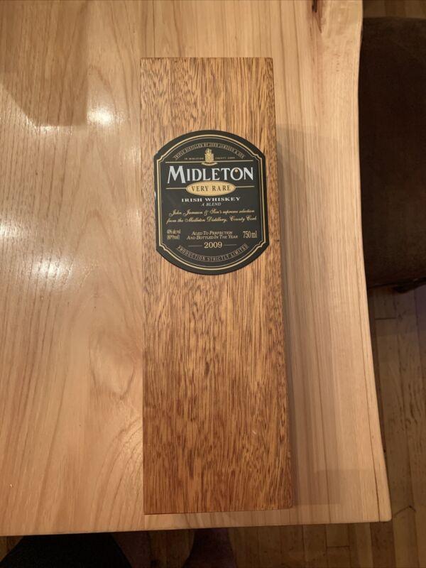 Vintage Authentic Midleton VERY RARE Irish Whiskey Empty Wooden Case 2009