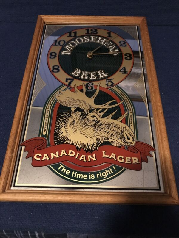 Vintage MOOSEHEAD BEER Canadian Lager Mirror Clock Sign Bar Man Cave!!!