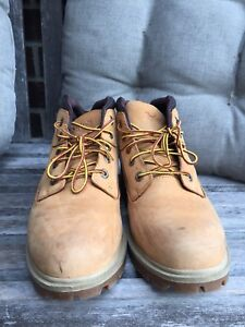 Size 9 timberland boots