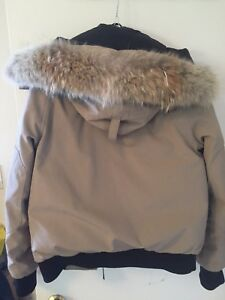 woman's xs canada goose jacket