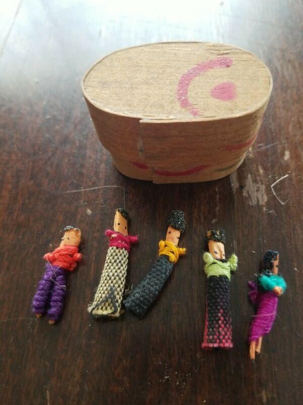 Vintage Guatemalan Worry People Handmade 5 Miniatures Dolls In The Wood Box