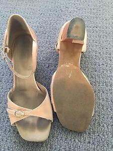 """Girls Ballroom shoes """"Supa dance"""" size 1 1/2 Gymea Sutherland Area Preview"""