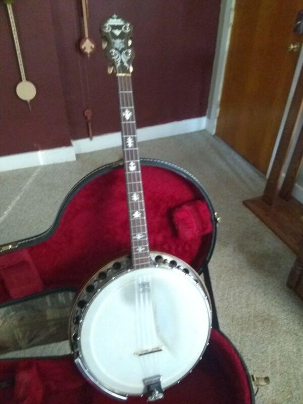Paramount Style B Tenor Banjo by William Lange