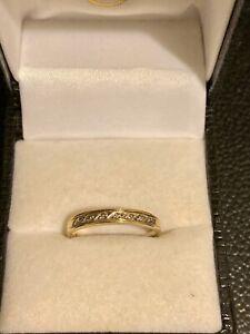 9ct Gold Women's Diamond Ring Band