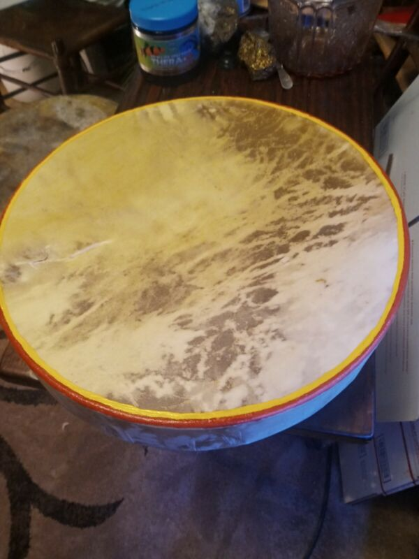 **AWESOME VINTAGE  NATIVE AMERICAN RAWHIDE HAND  DRUM GREAT SOUND SHAMAN DRUM **