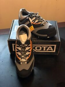 Tag in-tack, DAKOTA STEELTOE WORK SNEAKERS, Mens' Size 9