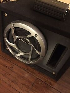 ^^* PIONEER SUBWOOFER IN PORTED BOX WITH ALPINE AMP!!