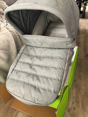 Baby Jogger CITY TOUR LUX FOLDABLE CARRY COT - SLATE Baby Portable Cot segunda mano  Embacar hacia Spain