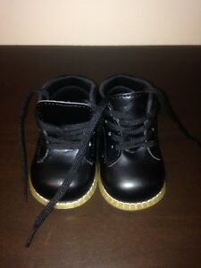 Baby shoes size 3W