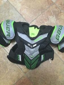 Kids Hockey Shoulder pads in good condition for Sale $15