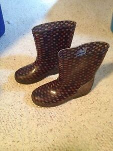 Rubber boots -USA size 4