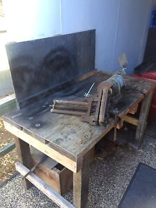 Home made work bench with vice and grinder Aroona Caloundra Area Preview
