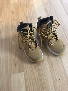 Size 11 Nike boots