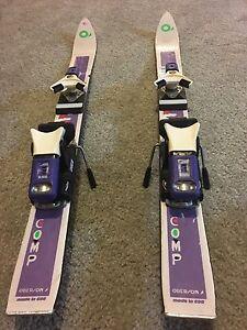 Children's comp series racing downhill skies