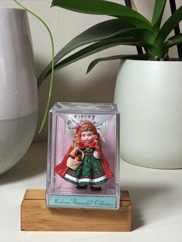 1991 Hallmark Merry Miniature Madame Alexander Little Red Ridding Hood New