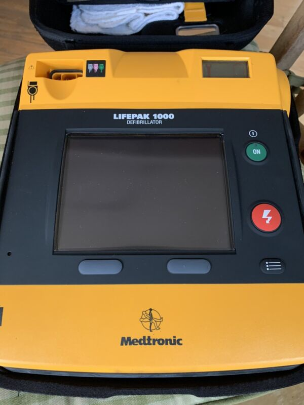 MEDTRONIC Physio Control LIFEPAK 1000 AED with CASE