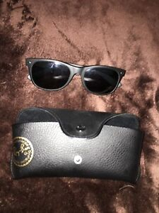 Authentic ray ban new wayfarers with polarized lenses