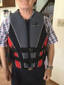 BODY GLOVE Men's vest life jacket size XL Large as new was $160