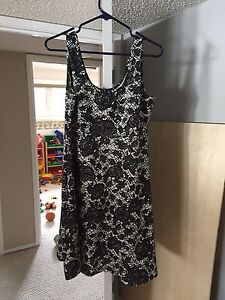 Large maternity dress worn once!!