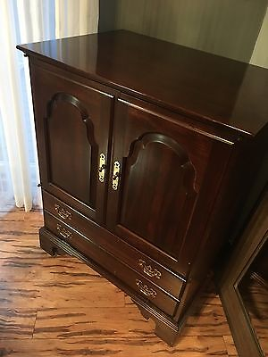 Petite Ethan Allen Georgian Court Chippendale TV Media Cabinet