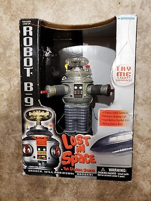 Trendmasters Robot B9 Lost In Space The Classic Series 1998 Action Figure