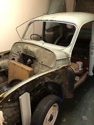 Morris minor 1000 Saloon 4 door body  no engine Project. No reserve