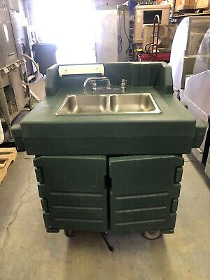 Cambro Ksc402 Portable 2 Comp. Hand Washing Sink