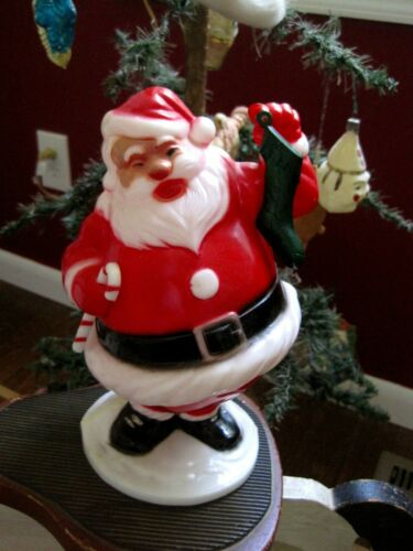The MISSING piece from this plastic Santa! - Have you EVER seen this stocking?