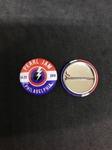 Pearl Jam Tour Pin Philly Perfect 10 Show April 29 2016 1 Inch Button Pin Back
