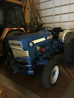 Tractor Ford