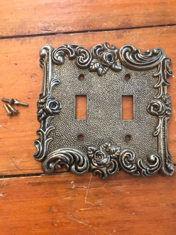 Vintage American Tack and Hardware 1967 Victorian Rose Double Light Switch Plate