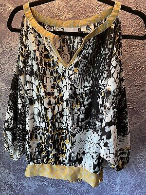 Cold Shoulder Top. Size Small. New York & Company