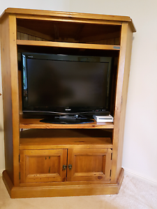 Corner TV cabinet. Berowra Hornsby Area Preview
