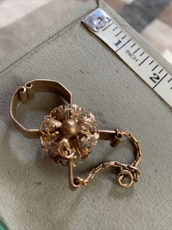 Vintage 14K Gold Plated Glove Clip Holder in Original Box by Giftcraft