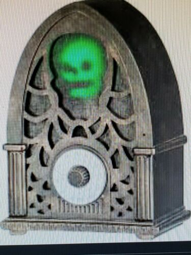 Haunted Living Animated Skull Radio with Bluetooth New