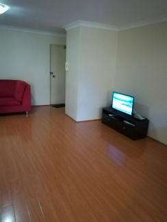Couple / Couple with Kid /Single- Accomm available Near train sta