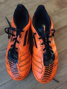 Adidas boys size 5 outdoor soccer cleats