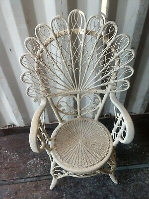 White Wicker Rattaan peacock Accent Chair