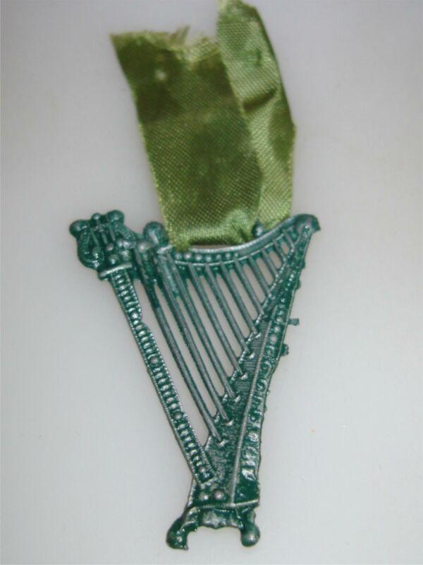 UNIQUE VINTAGE IRISH SCOTTISH CELTIC HARP PIN/BROOCH WITH RIBBON!