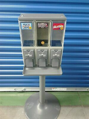 Vendstar 3000 Refurbished Vending Machine with Locks and keys - 1 candy machine