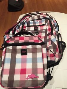 58c716dbaaa Roots Lunch Bag   Buy New   Used Goods Near You! Find Everything ...