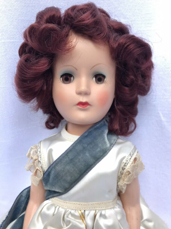 Gorgeous Vintage Queen Elizabeth Coronation Doll Hand Embroidered Gown Palitoy