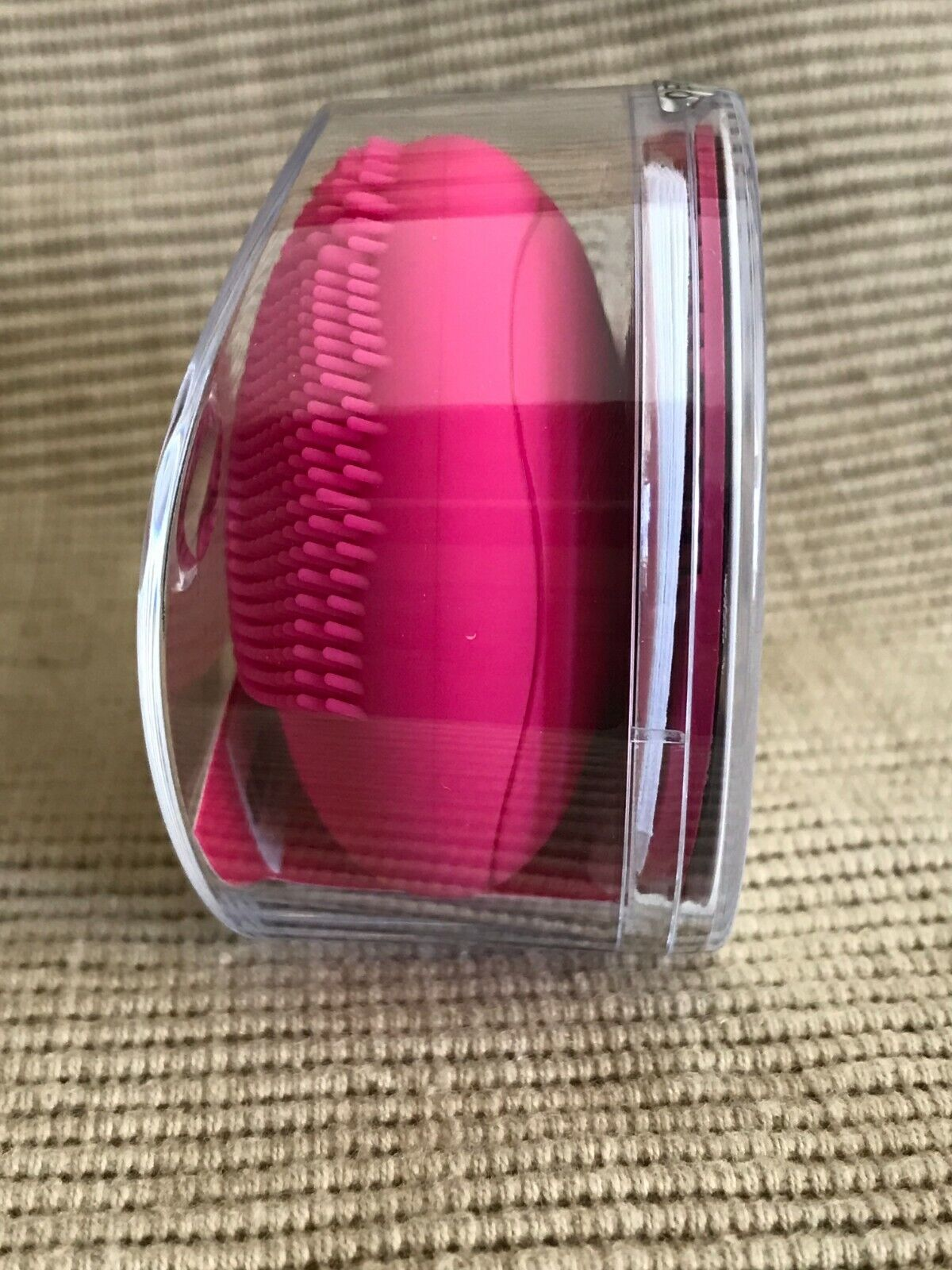 New Sealed Foreo Luna Play Tiny Mighty T-Sonic Facial Cleansing Device Fuchsia - $39.99