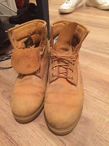 Men's size 8 Timberland boots (Truro)