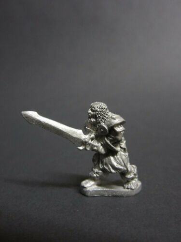 Grenadier Models Undead with Two-Handed Weapon 51002 pre-slotta metal miniature